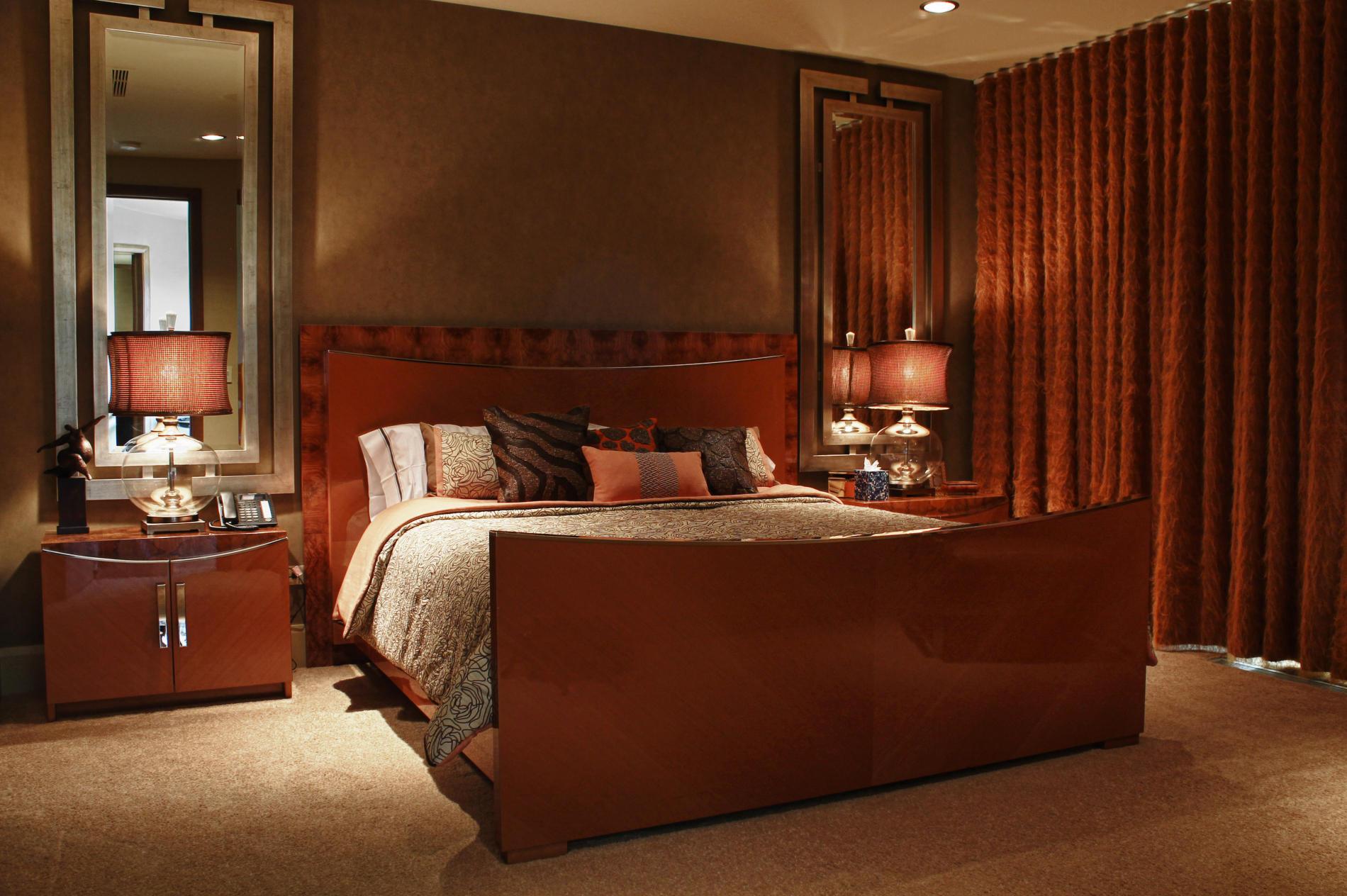 дизайн интерьера спальни в доме.jpg