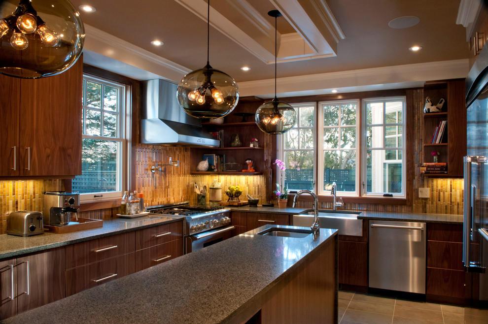 дизайн интерьера кухни в частном.jpg