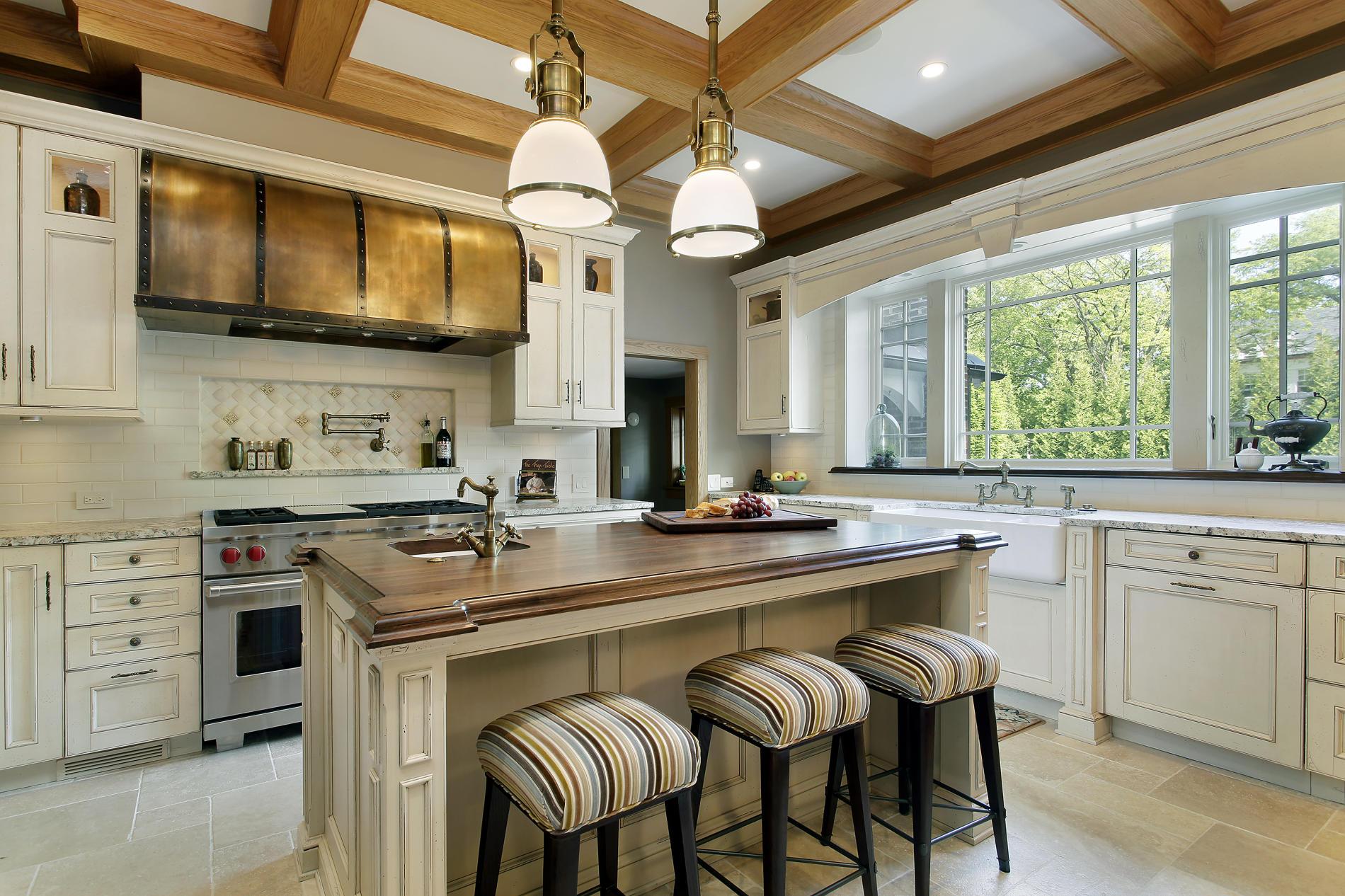 дизайн кухни в частном доме.jpg