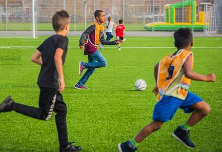 Sporters organiseren voetbaltoernooi