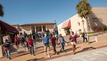 Student Ambassador giving campus tour