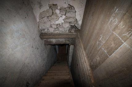 escalier avant travaux.jpg