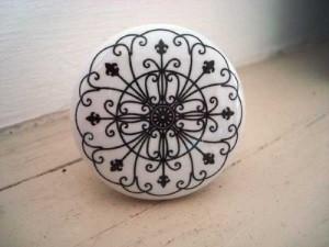 bouton-de-porcelaine-arabesques.jpg