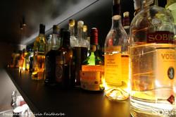étagère_suspendue_bar_lounge_Olivia_Faid