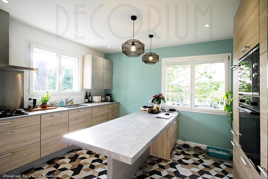 cuisine bleu vert sol original decorium olivia Faidherbe architecte decorateur arbanats.jp