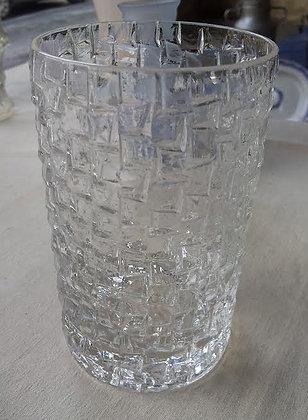 Vase à reliefs