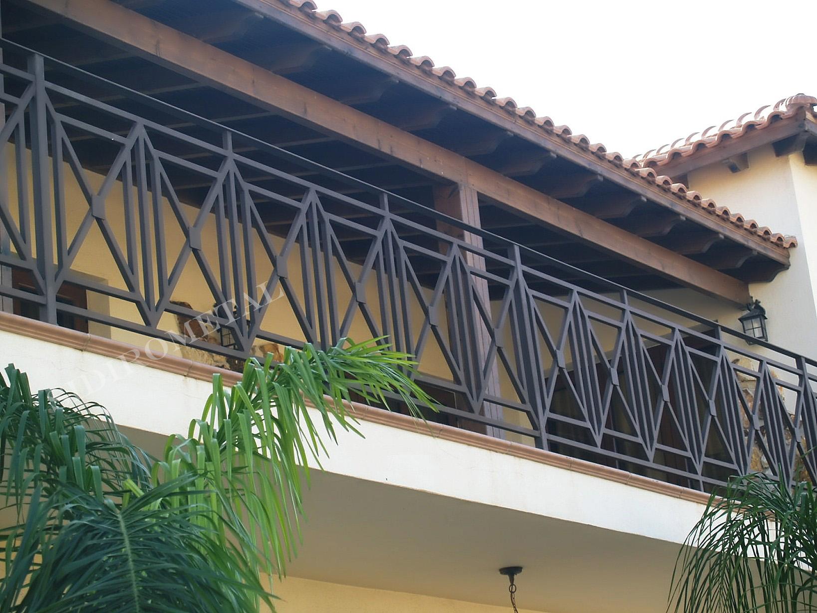 Balcony Banister
