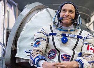 L'astronaute canadien David Saint-Jacques vous invite à participer à sa mission!
