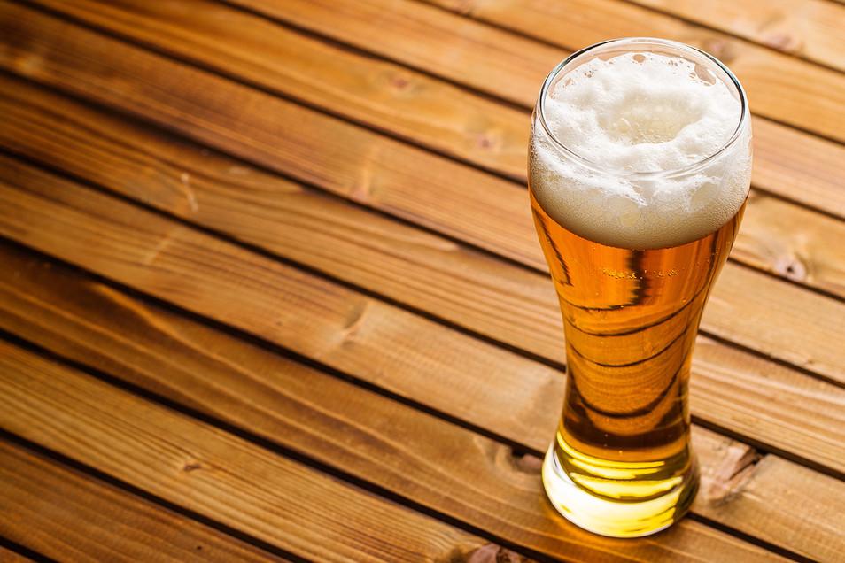 glass-of-beer-ZXCHLW6.jpg