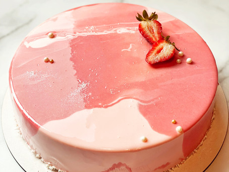 Mousse or Traditional Cake? How to choose and what's the differences.