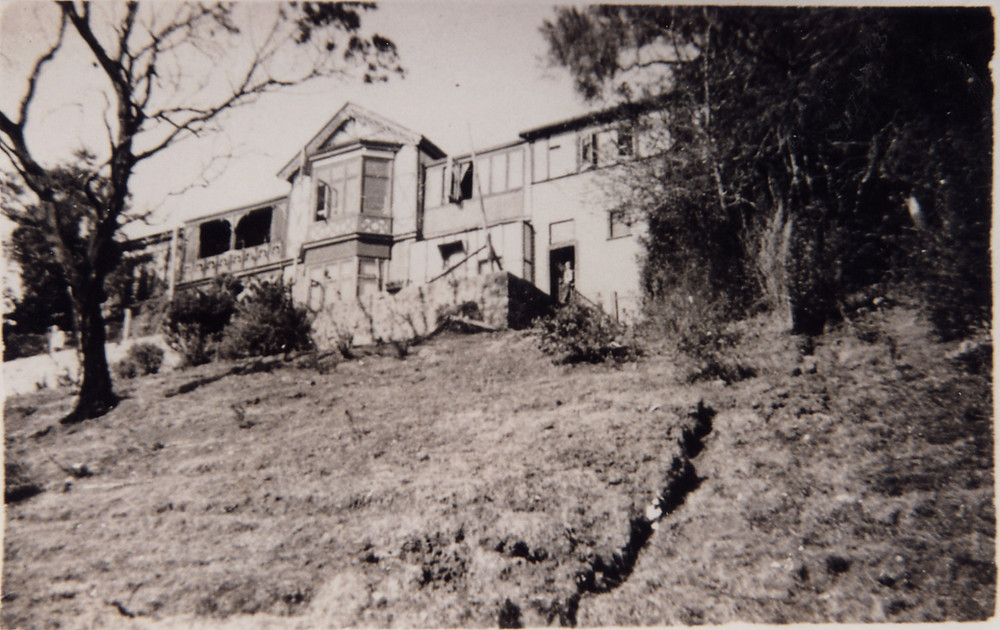 The original Ravenscraig homestead (Photograph courtesy of the Scotch Oakburn College Archives)