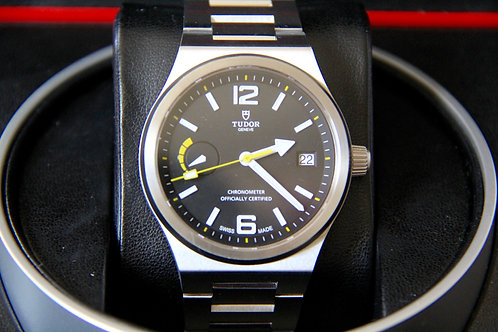 Tudor North Flag - Excellent - Under Warranty - 91210N
