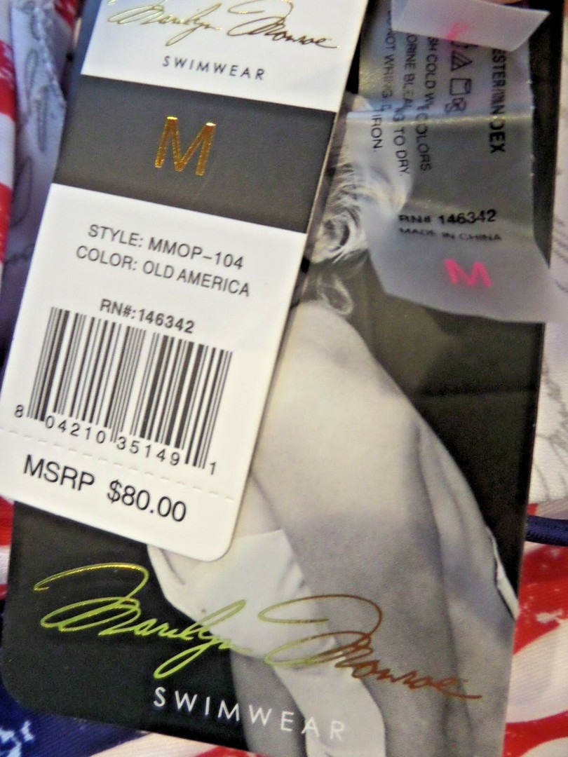 NWT Womens Marilyn Monroe American Flag