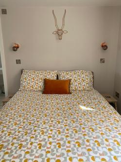 Copper tones in the bedroom
