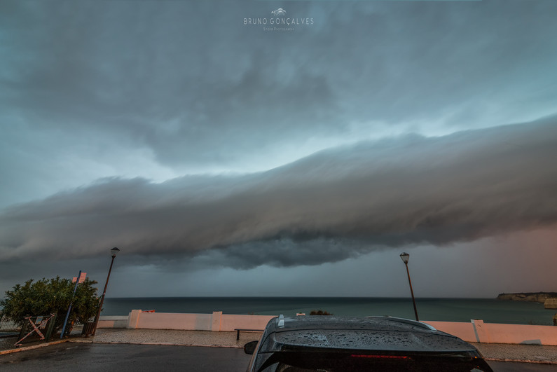 Shelf Cloud no Mar