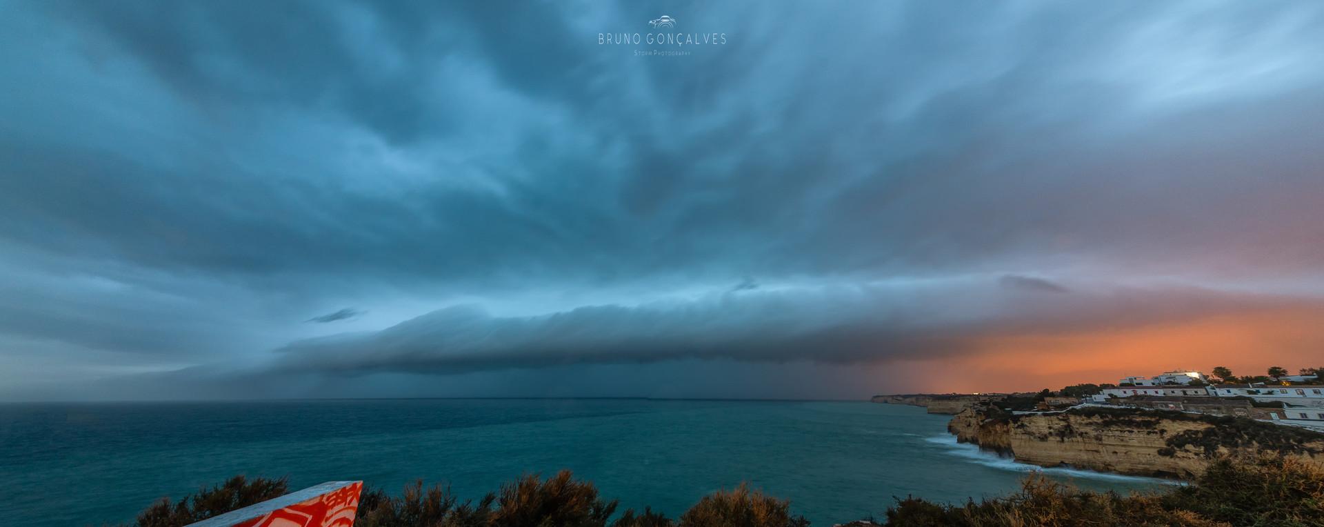 Shelf Cloud no Mar