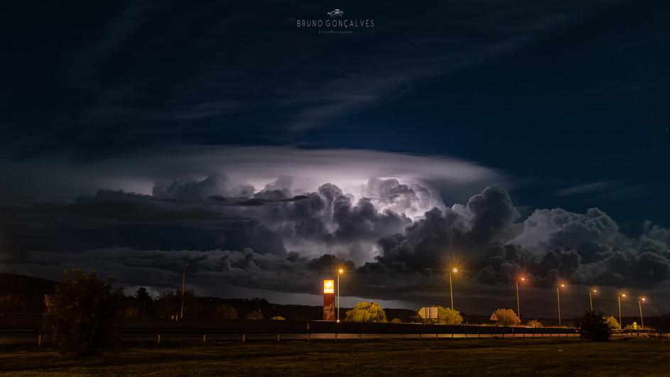 Nuvens Iluminadas