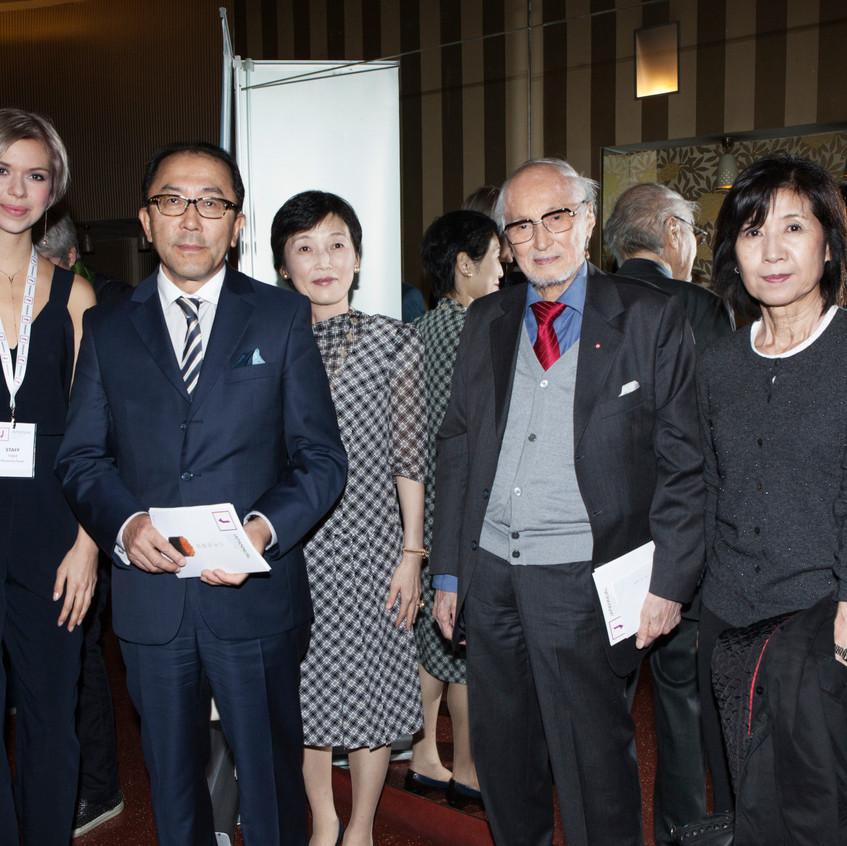 Gruppenbild m. Botschafter Koinuma