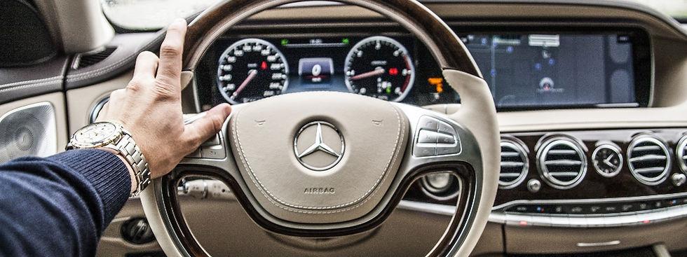 steering-wheel-801994_bearbeitet.jpg