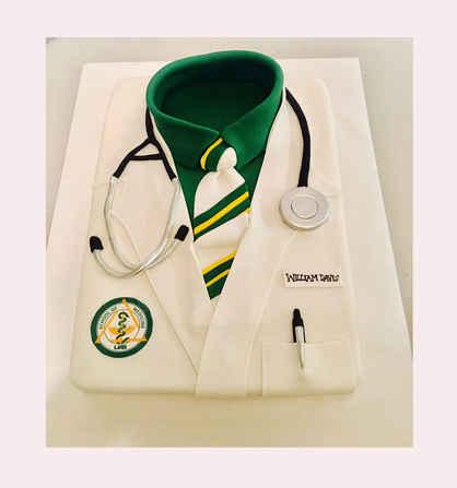 Doctor's Coat Graduation Cake GR-112
