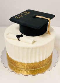 Graduation Cake with Cap & Diploma  GR-114