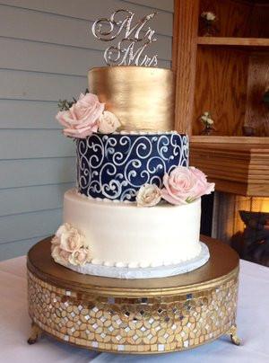 Metallic Gold Navy Ivory Scroll Wedding Cake Wc105