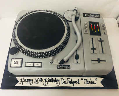 DJ Turntable Sheet Cake MB-136