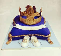 Prince (or Princess) Crown & Pillow with Baby Shoes  BB-109
