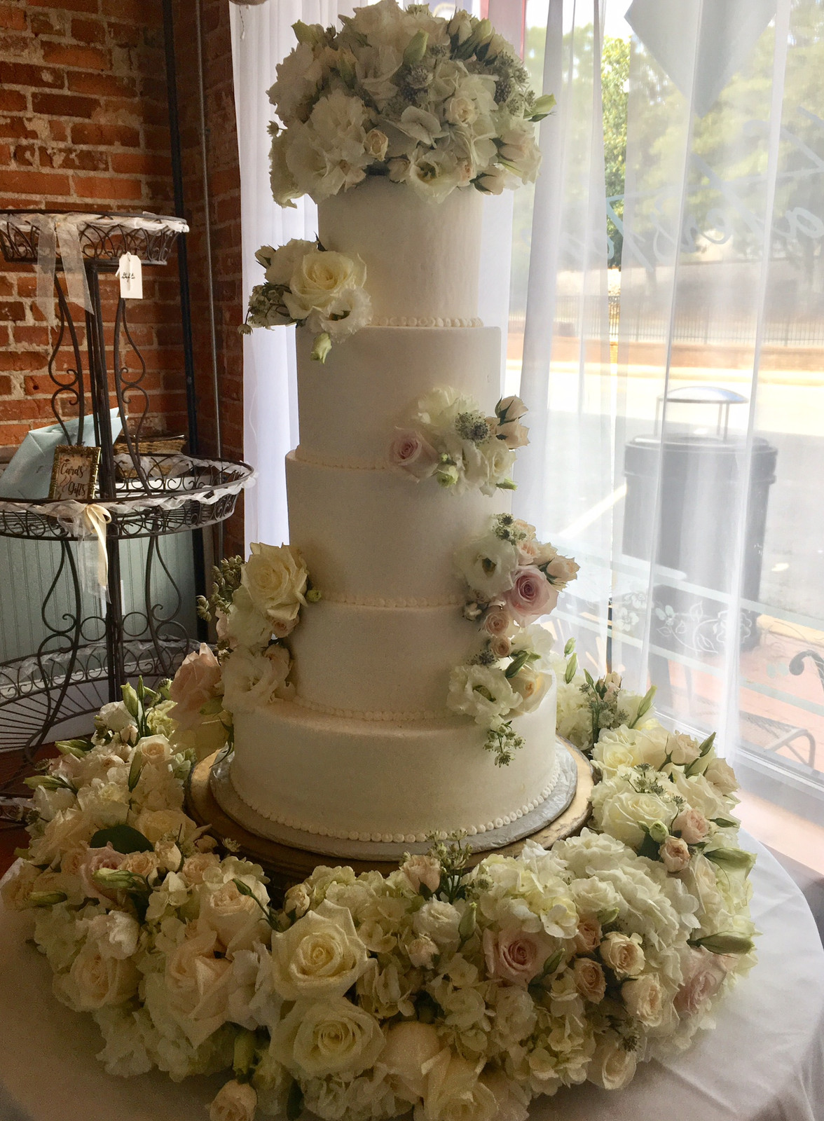 Fresh Flowers In Adundance Complete With Beautiful Wedding Cake Add Any Personal Touch Or Changes To Of Our Award Winning Designs