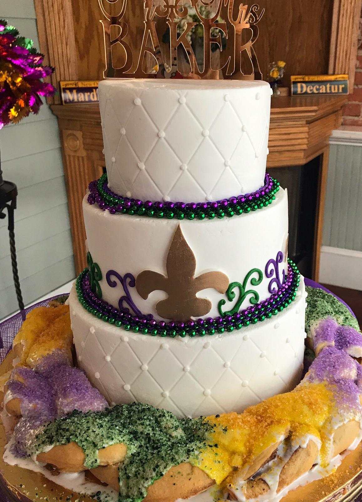 Mardi Gras Fleur De Lis Wedding Cake WC137 | Custom Cakes ...