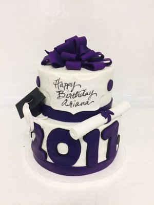 Graduation Cake with Cap & Diploma GR-113