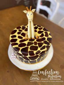 Giraffe Print Fondant Giraffe Round Cake BC-160