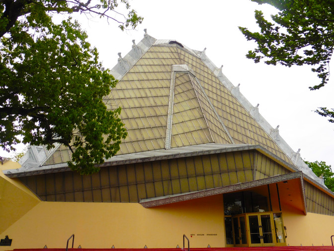 Rewriting Wright's Synagogue with a Touch of Green