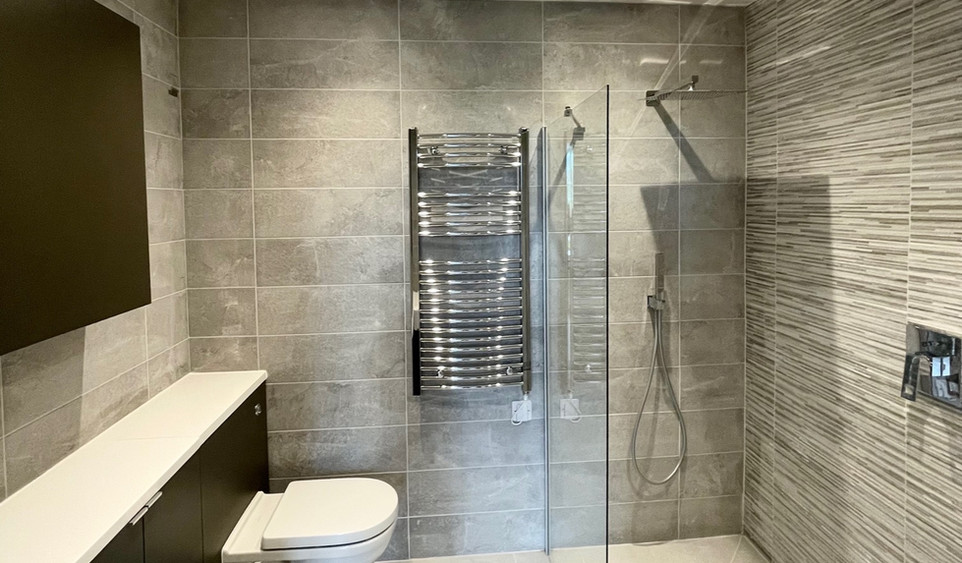 Apartment 6 - Ensuite Shower Room
