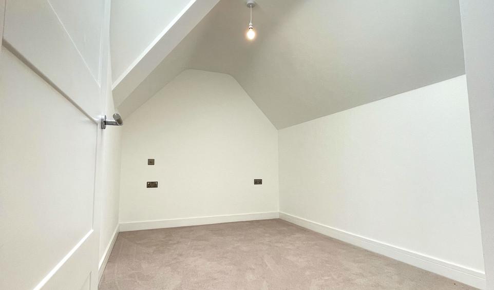 Apartment 12 - Second bedroom.jpeg