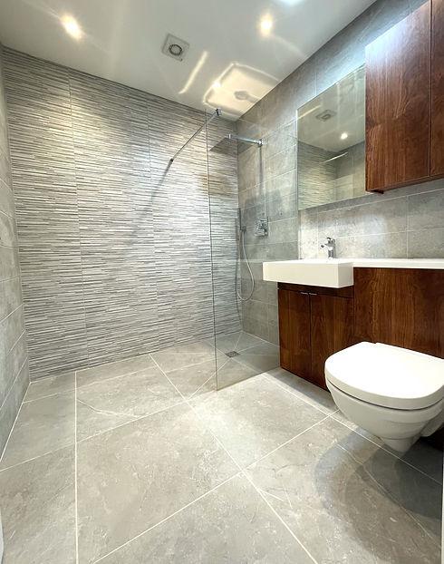 Apartment 13 - Wet room.jpeg