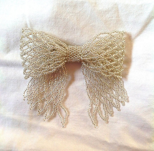 Medium Silver Ribbon Bow Pin / Brooch
