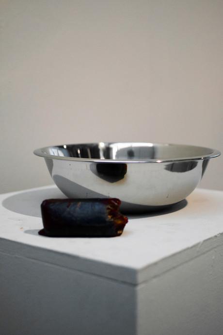 Pilato (Metal Vase and Soap Detail)