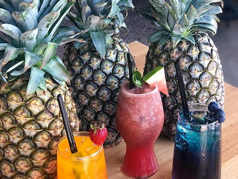 Can't go wrong with pineapple as props a
