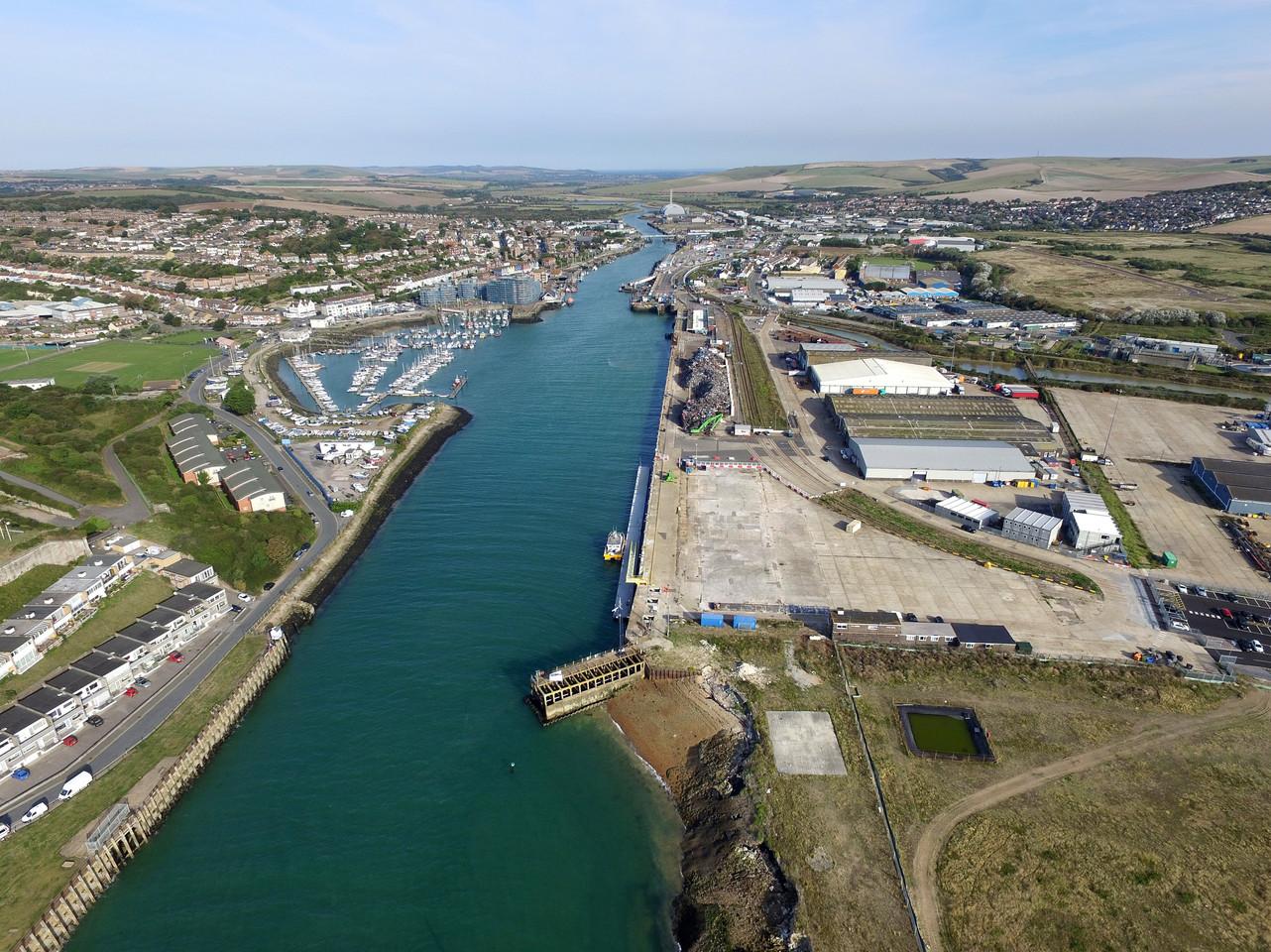 Newhaven port.jpg