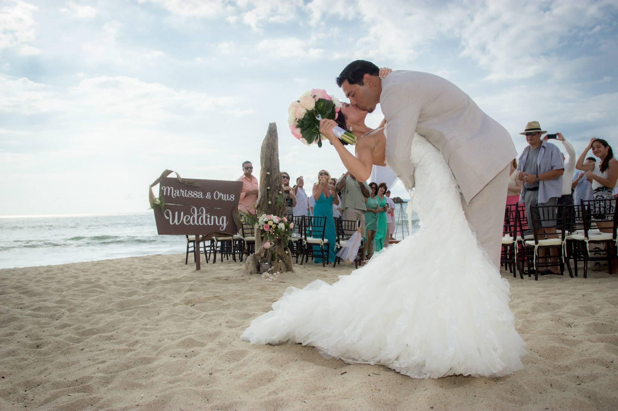Kiss The Bride - Dreams Villamagna