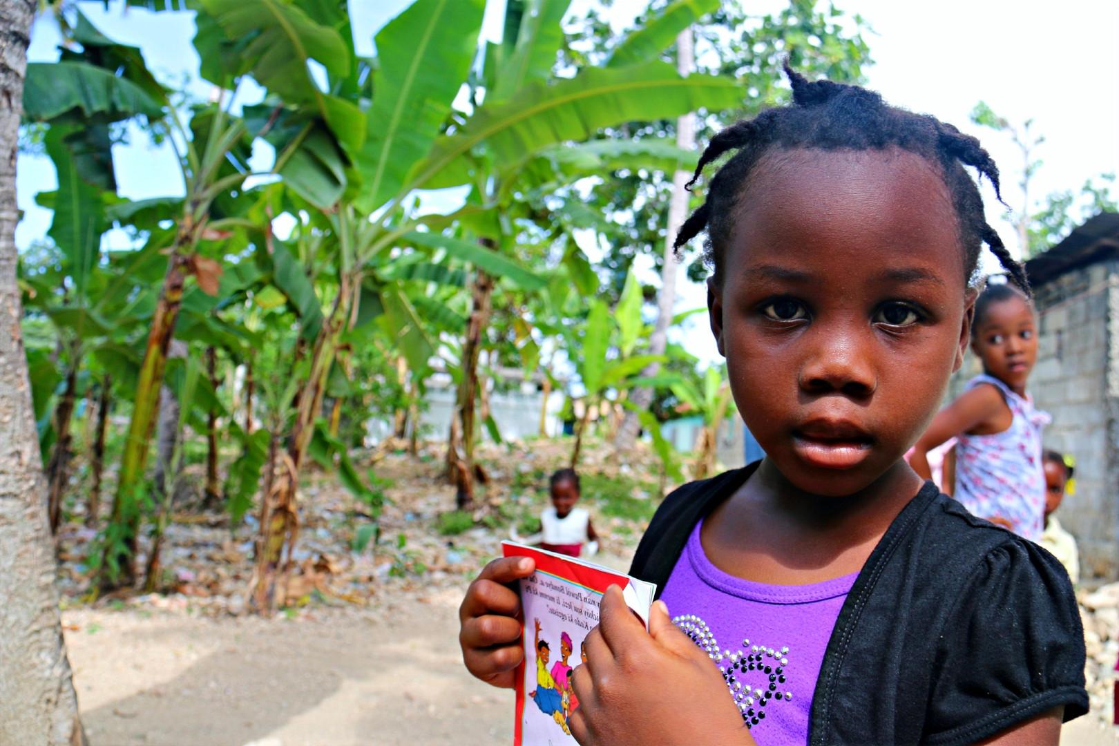 Haiti%20-%20Sunday%20School%204_edited.j