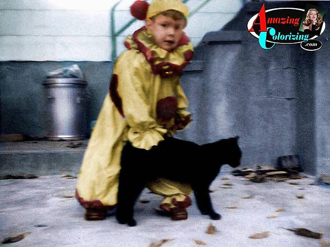 Amazing_Colorizing_David_Clown_Costume_H