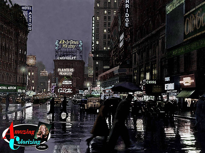Amazing_Colorizing_Times_Square_In_The_R
