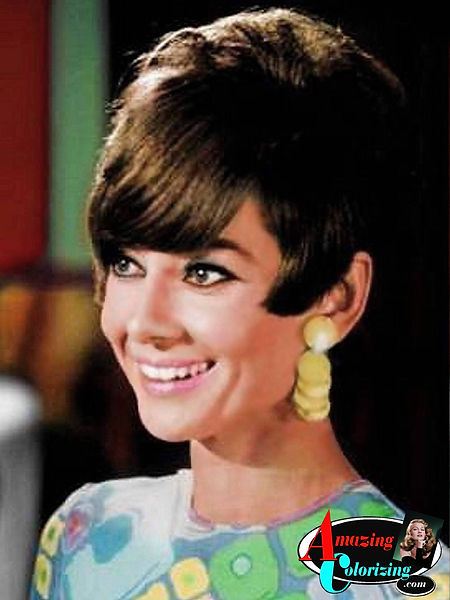 Amazing_Colorizing_Actress_Audrey_Hepbur