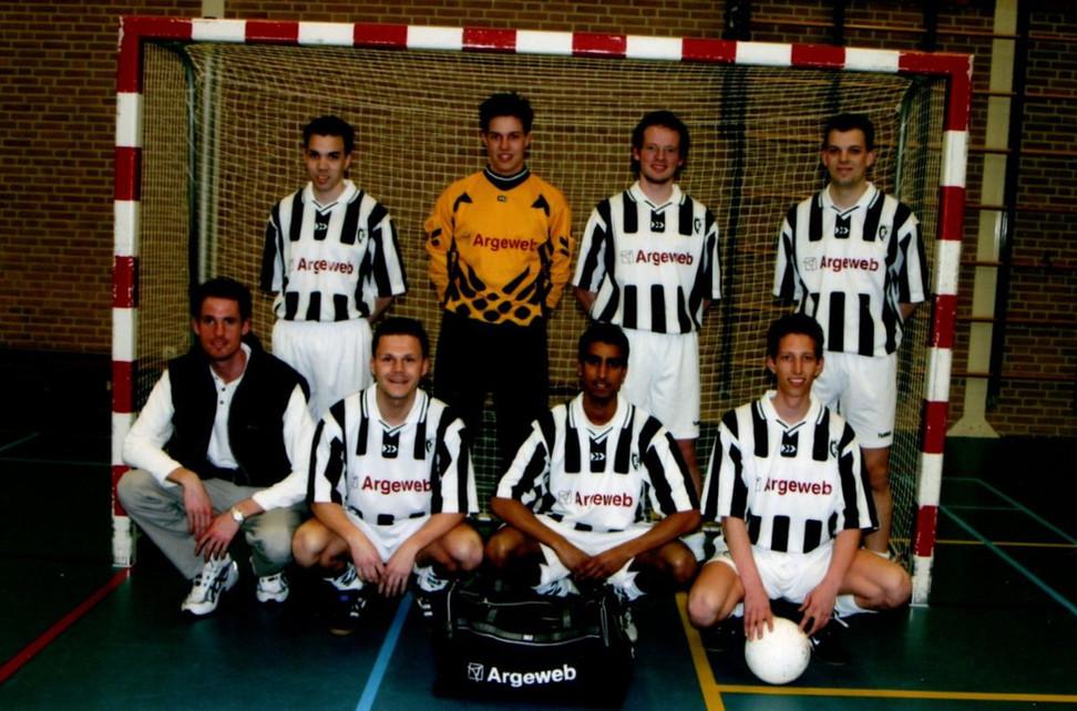 M.S.V.'71 zaalteam in 2003