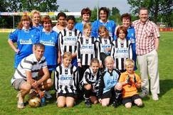 M.S.V.'71 Meisjes Seizoen 2007-2008 met ouders