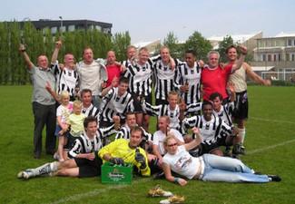 M.S.V.'71-2 seizoen 2004 2005 kampioen