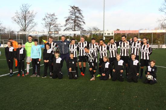 M.S.V.'71-1 seizoen 2018 2019 met jeugdteam....
