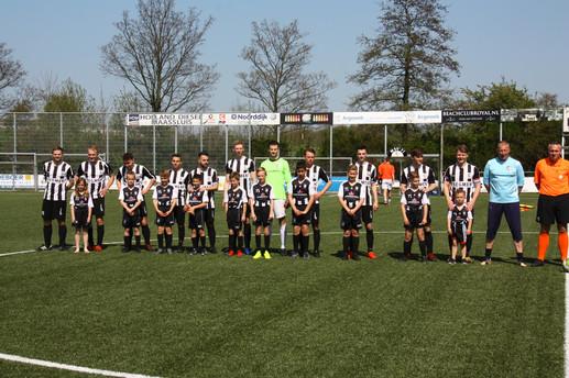 M.S.V.'71-1 seizoen 2018 2019 met jeugdteam.....